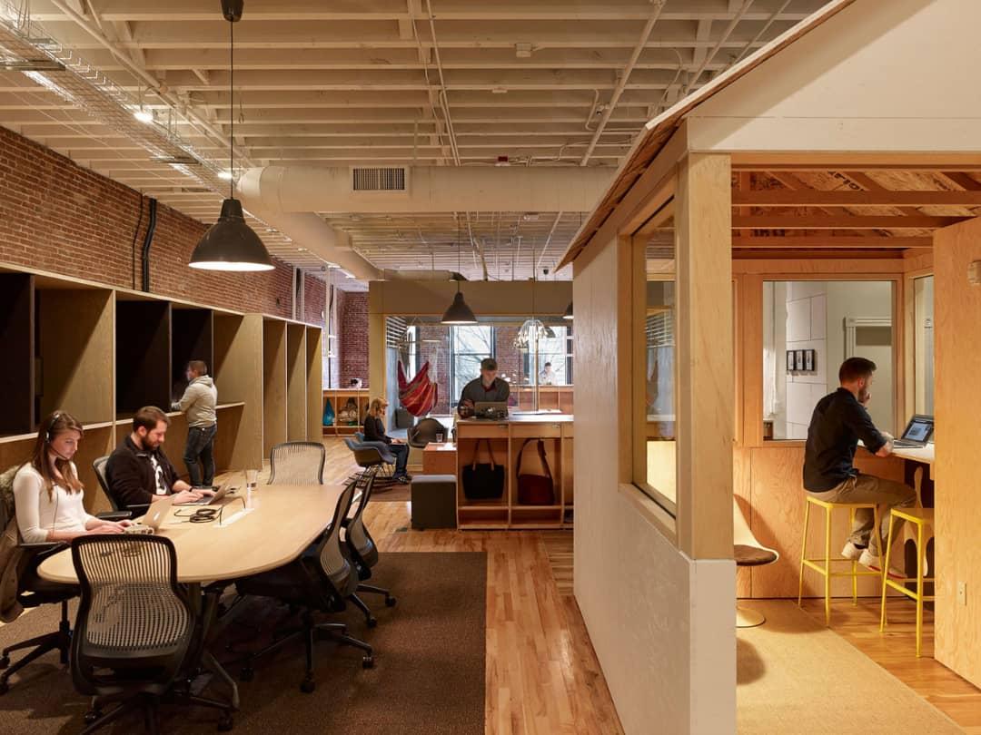 مدیریت ارتباط با مشتری همراه معماری