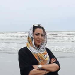 شيرين حسيني نژاد